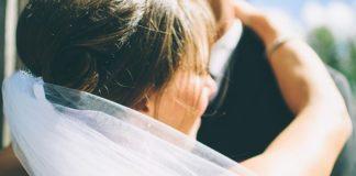 Tip trang điểm cô dâu đơn giản mà đẹp tự nhiên