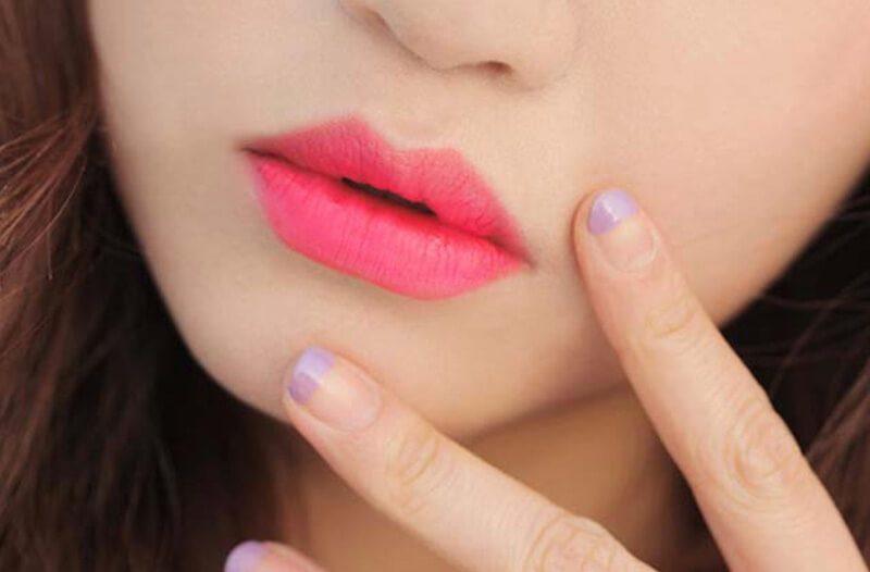 Son dưỡng từ hoa dâm bụt cho đôi môi hồng, xinh xắn