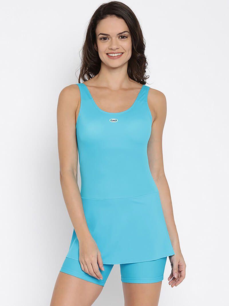 Đồ bơi màu xanh biển