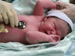 Xuất huyết ở trẻ sơ sinh – Nguyên nhân, triệu chứng và cách điều trị