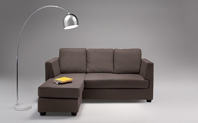 Phần đệm ngồi và đệm tựa của sản phẩm đều được hãng thiết kế rời nên dễ dàng vận chuyển và tháo lắp.