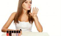 14 Mẹo vẽ móng tay đơn giản khiến ai cũng phải trầm trồ